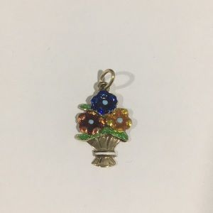 Jewelry - 14k Yellow Gold Bouquet 💐 Of Flowers 🌺 Charm